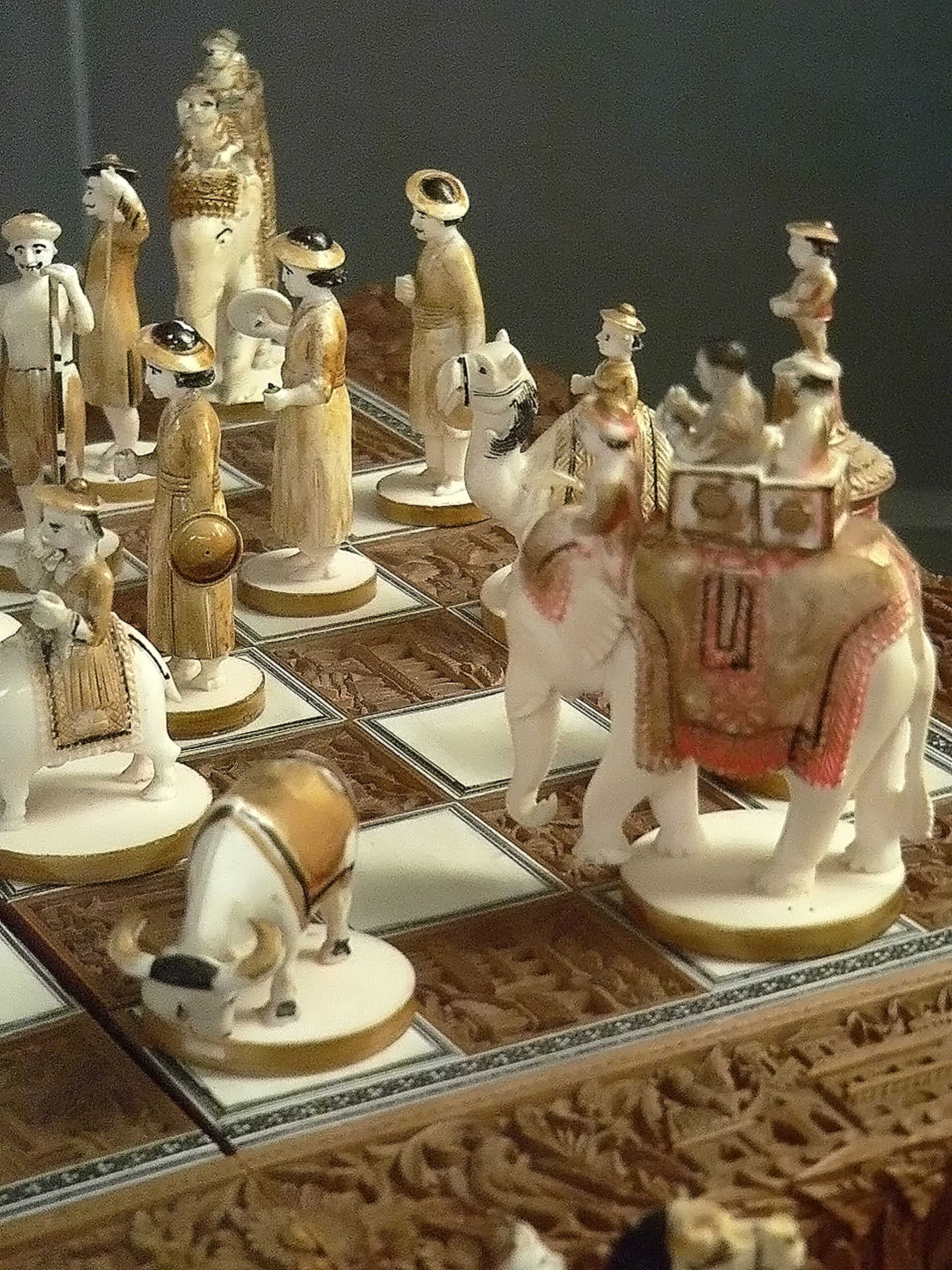 George E. Muehleck, Jr. Gallery of International Chess Sets 1